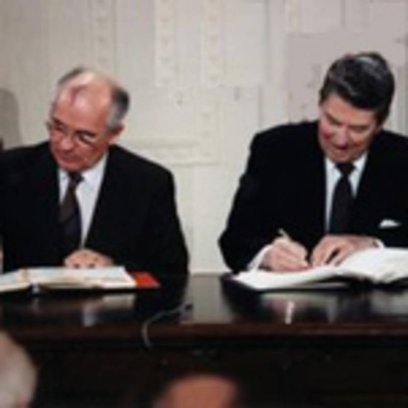 Gorbachev and Reagan sign the INF Treaty on December 8, 1987